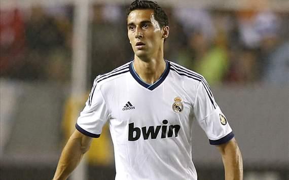 اربيلوا مدافع نادي ريال مدريد الأسباني