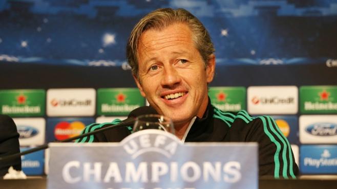 كيلر يتحدث فى المؤتمر الصحفى بعد مباراة بوخارست