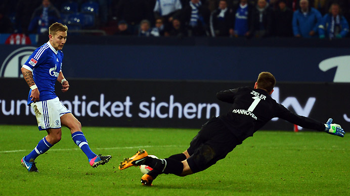 s04 holtby zieler 389