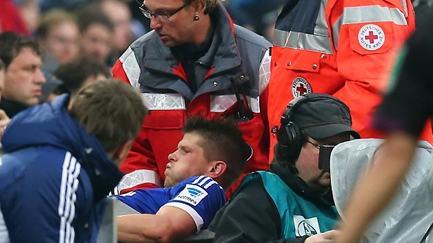 s04 bvb injury huntelaar 62