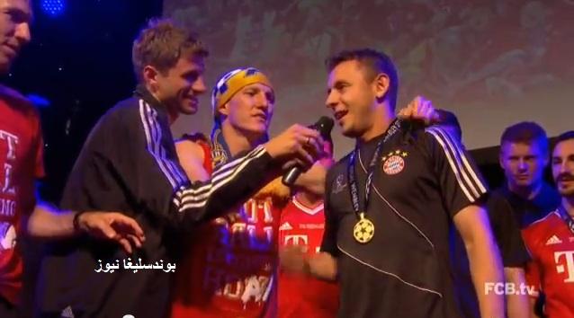 فيديو نادر من إحتفالات لاعبي العملاق البافاري عقب التتويج بلقب دوري الأبطال
