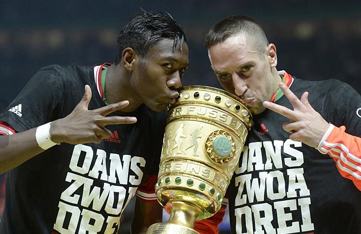 ريبيري وآلابا يحتفلان بكأس المانيا