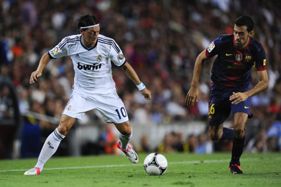 مسعود أوزيل يؤكد امتلاك فريقه أفضل ثلاثة لاعبين في العالم