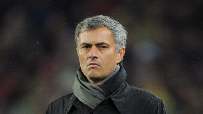 مورينيو مدرب ريال مدريد السابق والمدرب الحالي لتشيلسي الأنجليزي