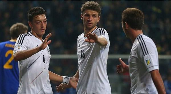 المنتخب الألماني يريح جماهيره بعض الشئ قبل نهاية التصفيات وبداية الأعداد لكأس العالم