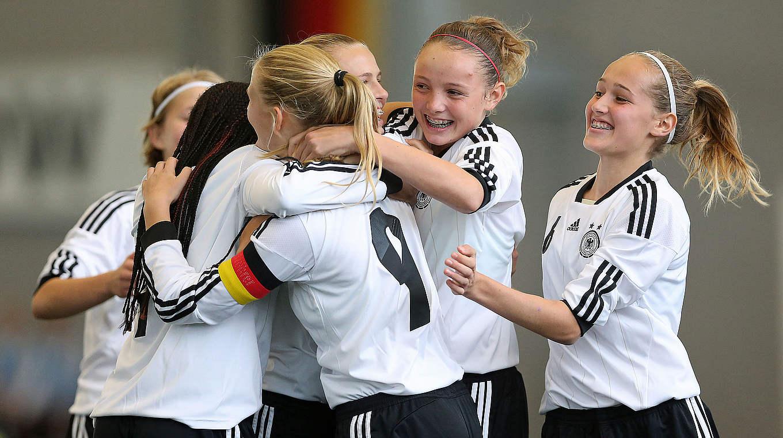 المانيا تسحق سكوتلندا 13-0