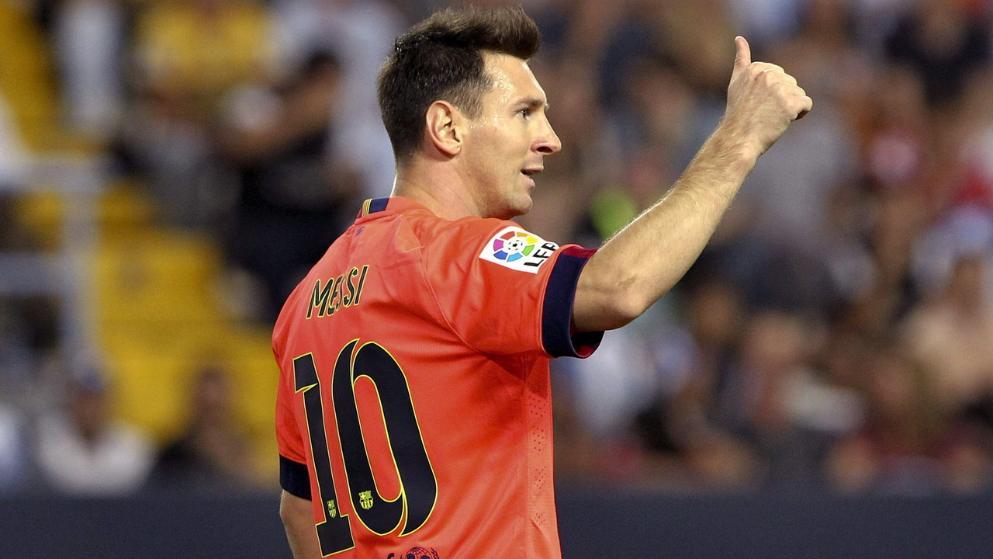 ليونيل ميسي يمدد عقده مع برشلونة