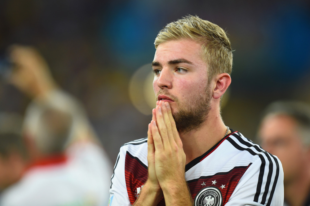 كرامر يغادر معسكر المنتخب الألماني بسبب المرض