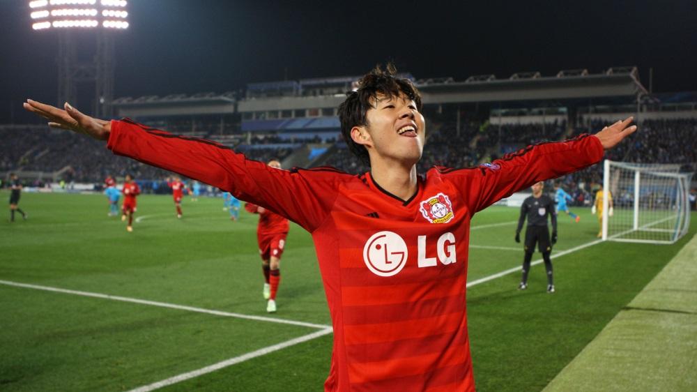 سعادة غامرة لدى الكوري مين سون بعد تسجيل هدفين بمرمى زينيت