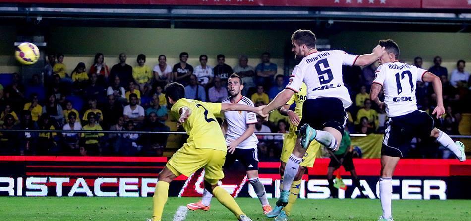 موستافي يتألق مع فالنسيا ويسجل هدفين بمرمى فياريال
