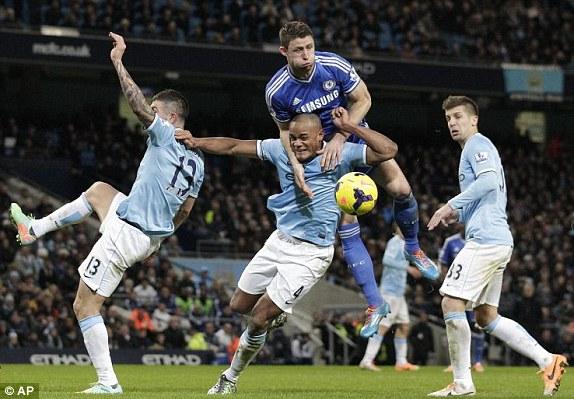 تشيلسي في مواجهة مانشستر سيتي في قمة الدوري الإنجليزي
