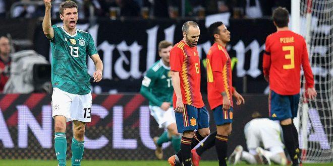 توماس مولر يسجل قذيفة في شباك إسبانيا